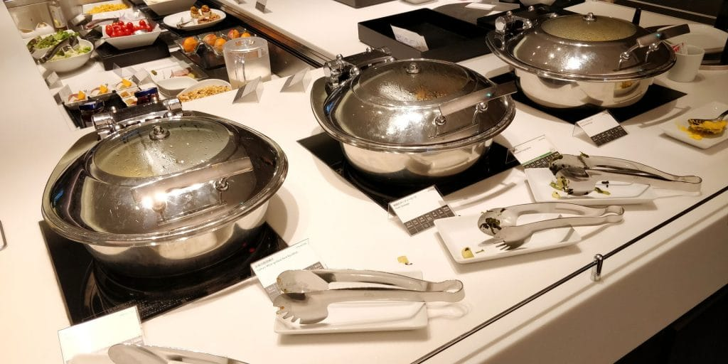 ANA Suite Lounge Tokio Haneda 110 Buffet 7