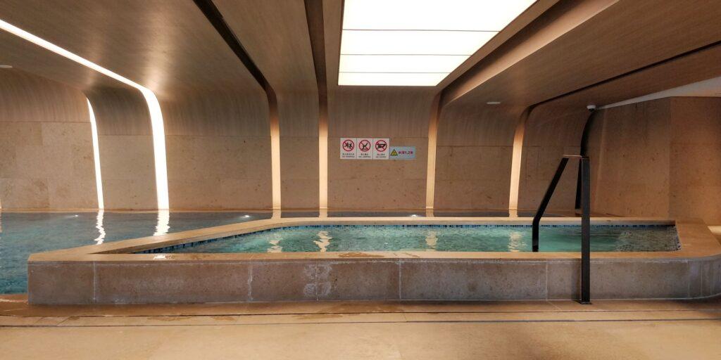Conrad Hangzhou Pool 2