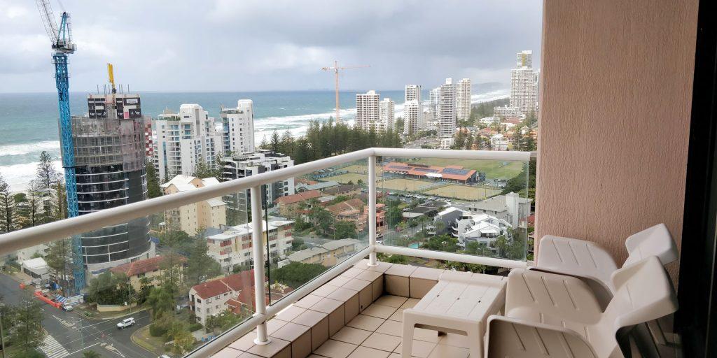 Crowne Plaza Surfers Paradise Zimmer Balkon