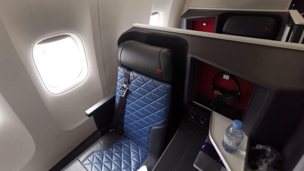 Delta One Suites Business Class Sitz (2)