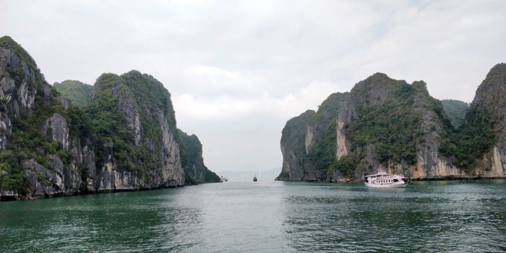 Ha Long Bay 9