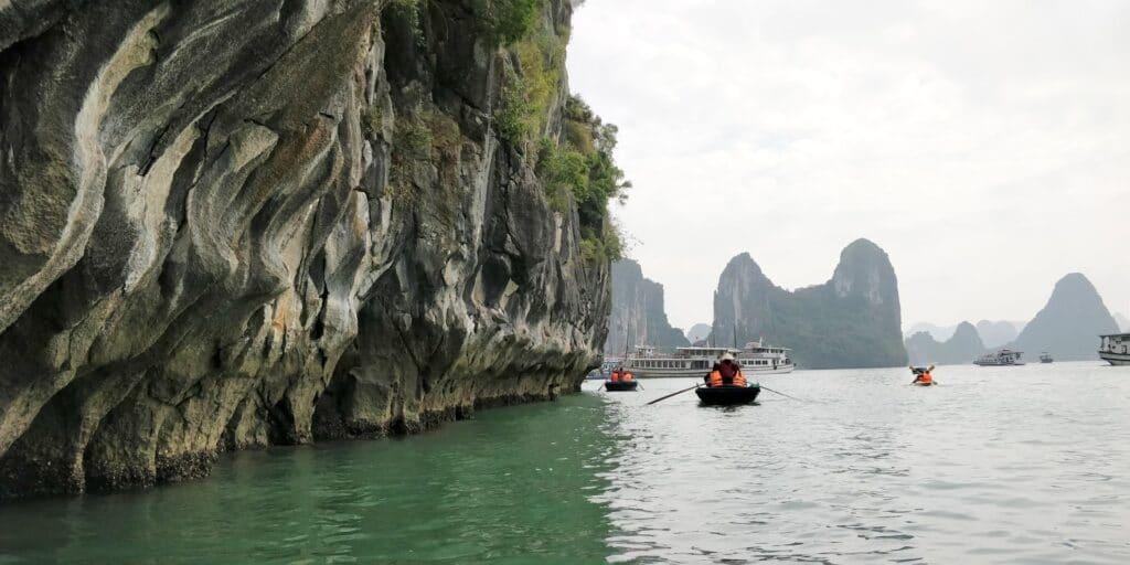 Ha Long Bay Boat Tour 9