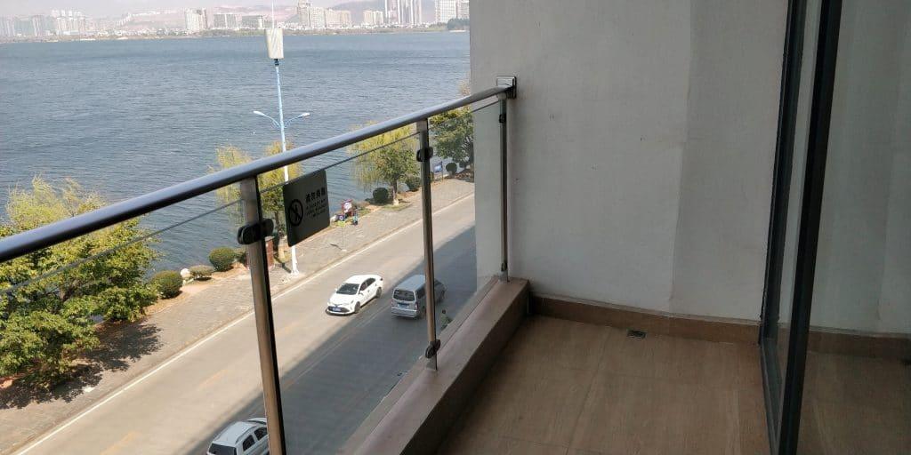 Hotel Indigo Dali Erhai Suite Balkon