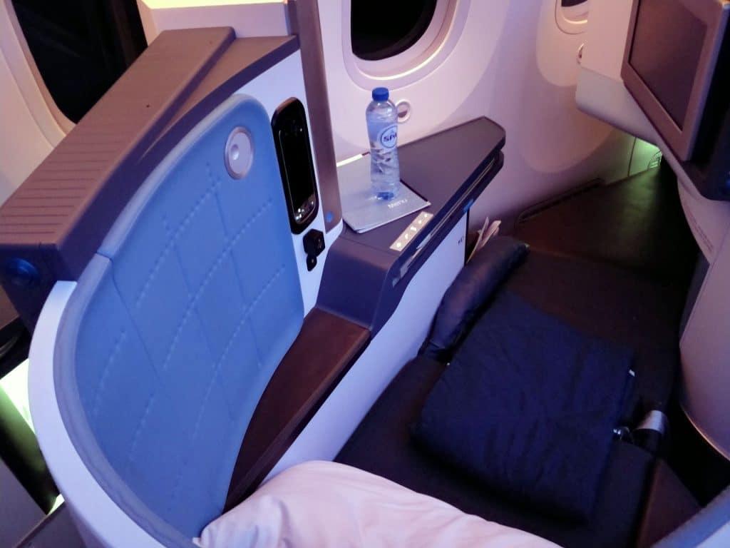 KLM Business Class Boeing 787 Bett 2