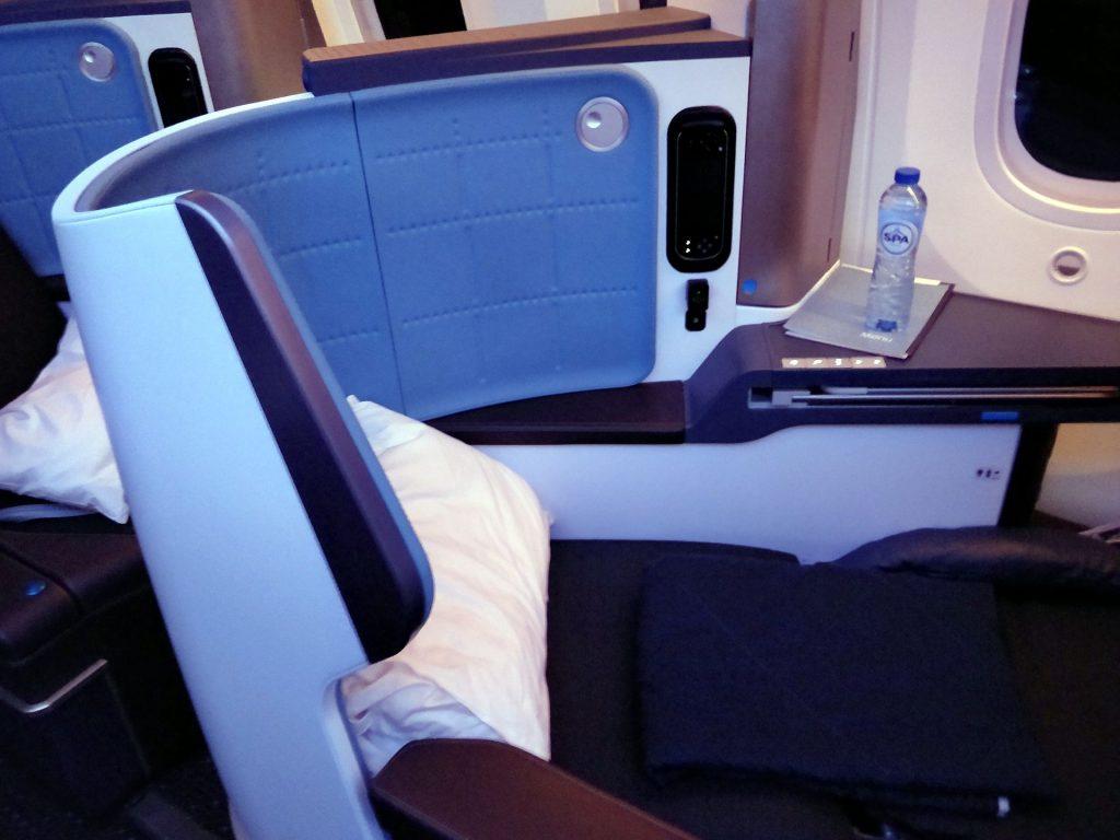 KLM Business Class Boeing 787 Bett 3