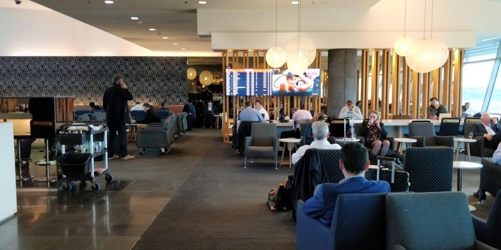 Qantas Business Lounge Sydney 2