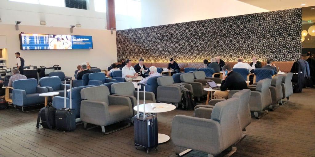 Qantas Business Lounge Sydney 3