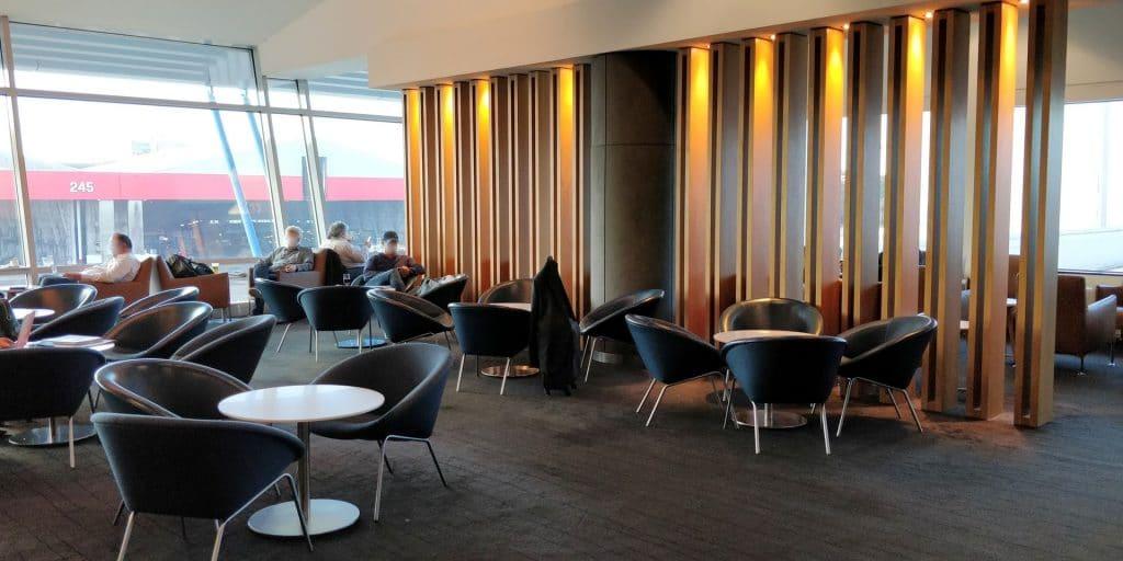 Qantas Business Lounge Sydney 5