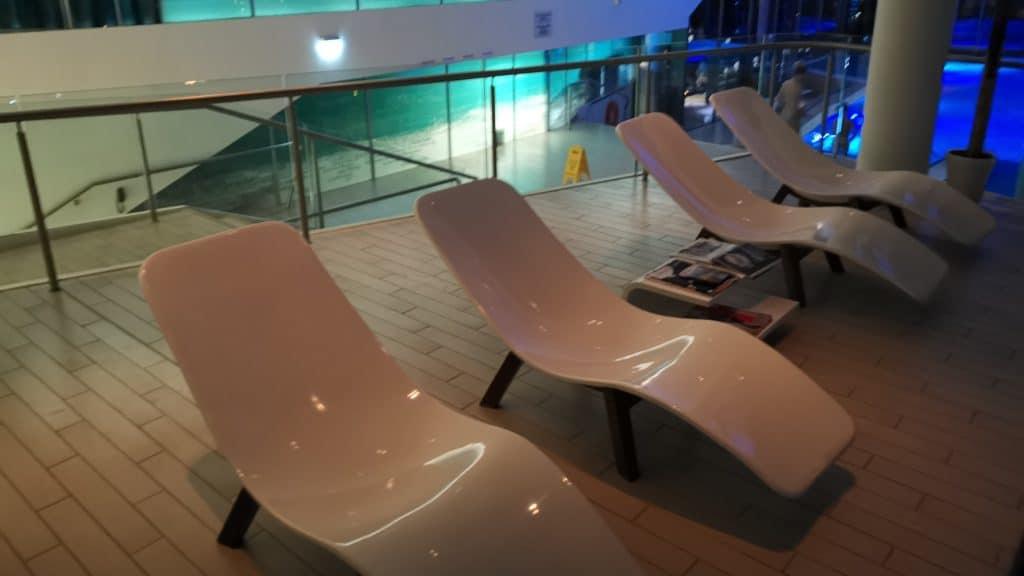 Radisson Blu Iveria Hotel Pool Liegen