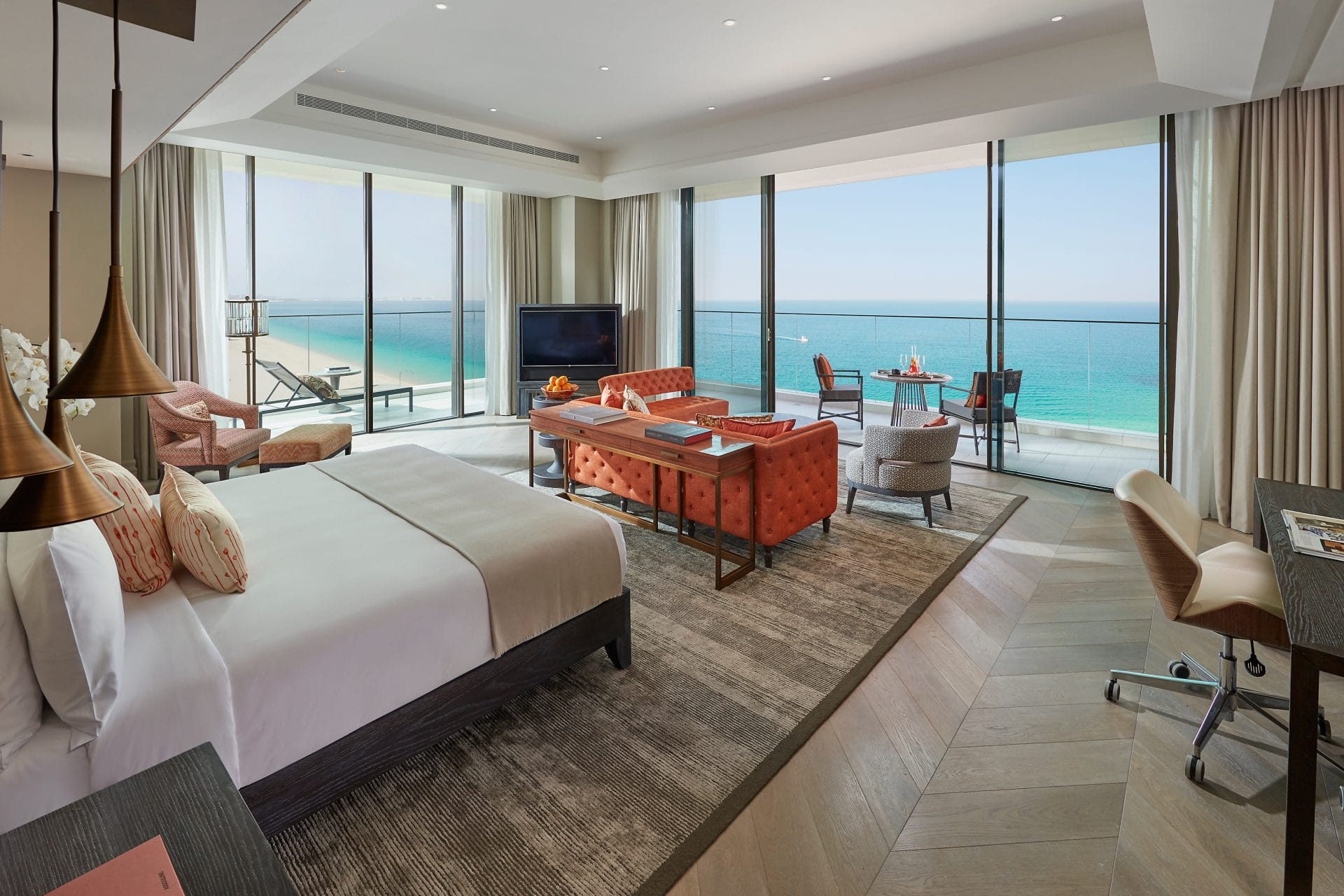 Dubai Suite Mandarin Sea Front Bedroom