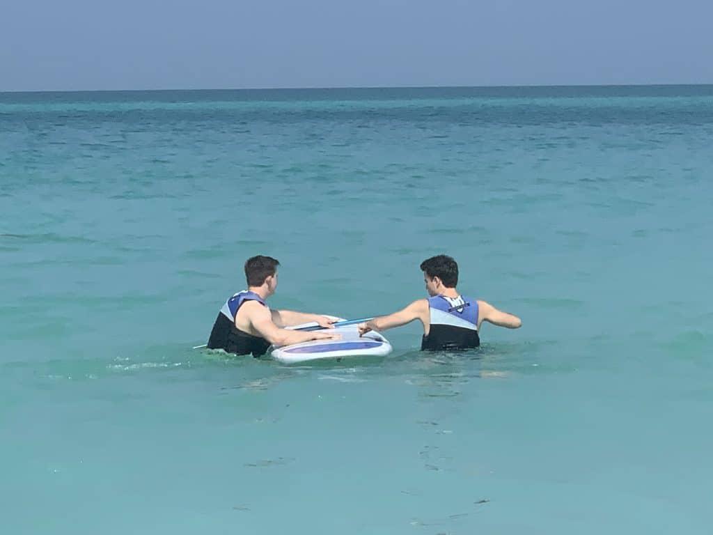 Moritz Stoldt Und Jan Wanderer Abu Dhabi Sup Strand Meer