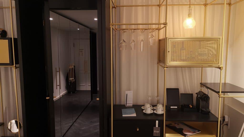 Roomers München Deluxe Premium Zimmer (2)