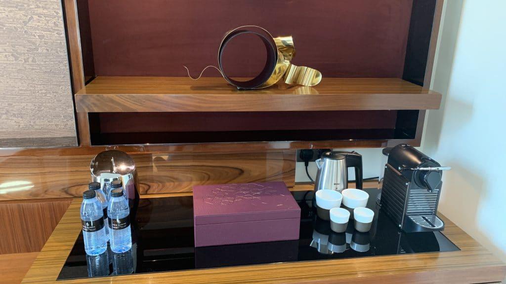 Four Seasons Abu Dhabi Zimmer Kaffeemaschine