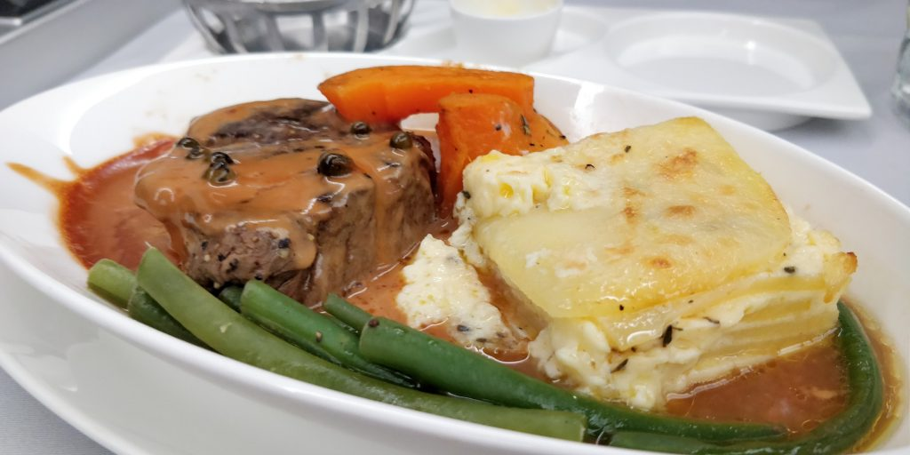 British Airways Business Class Airbus A350 Mittagessen 5