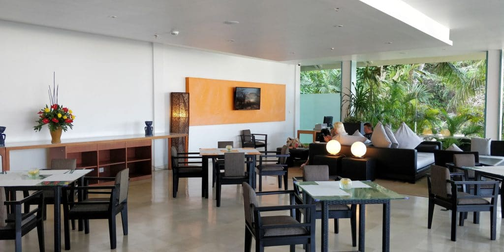 Hilton Bali Resort Lounge