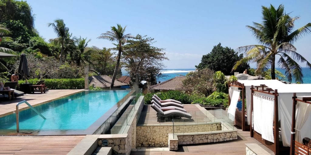 Hilton Bali Resort Lounge Pool 3