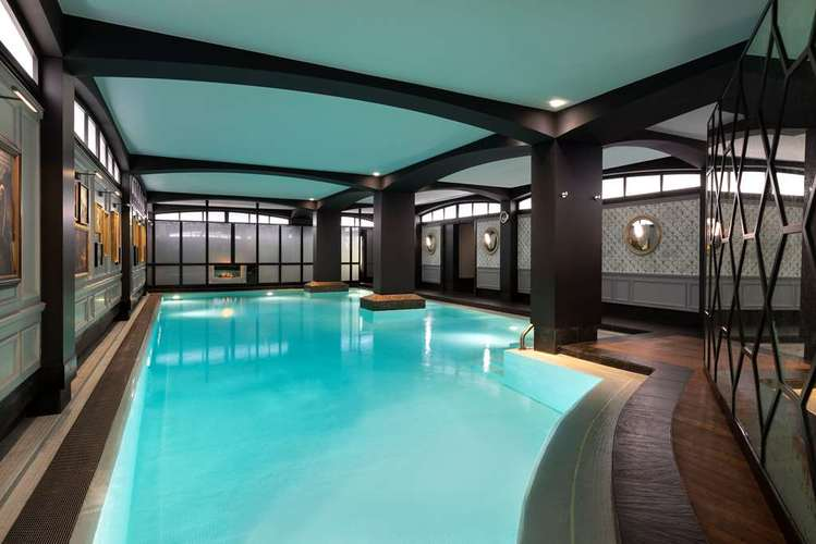 Hotel Barriere Pool