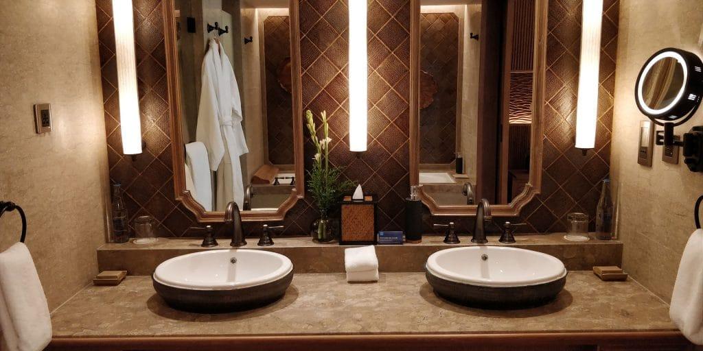 Hyatt Regency Bali Suite Bad 3