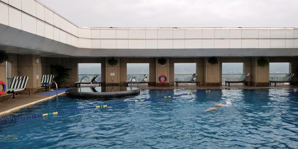 Shangri La's Far Eastern Plaza Taipeh Pool