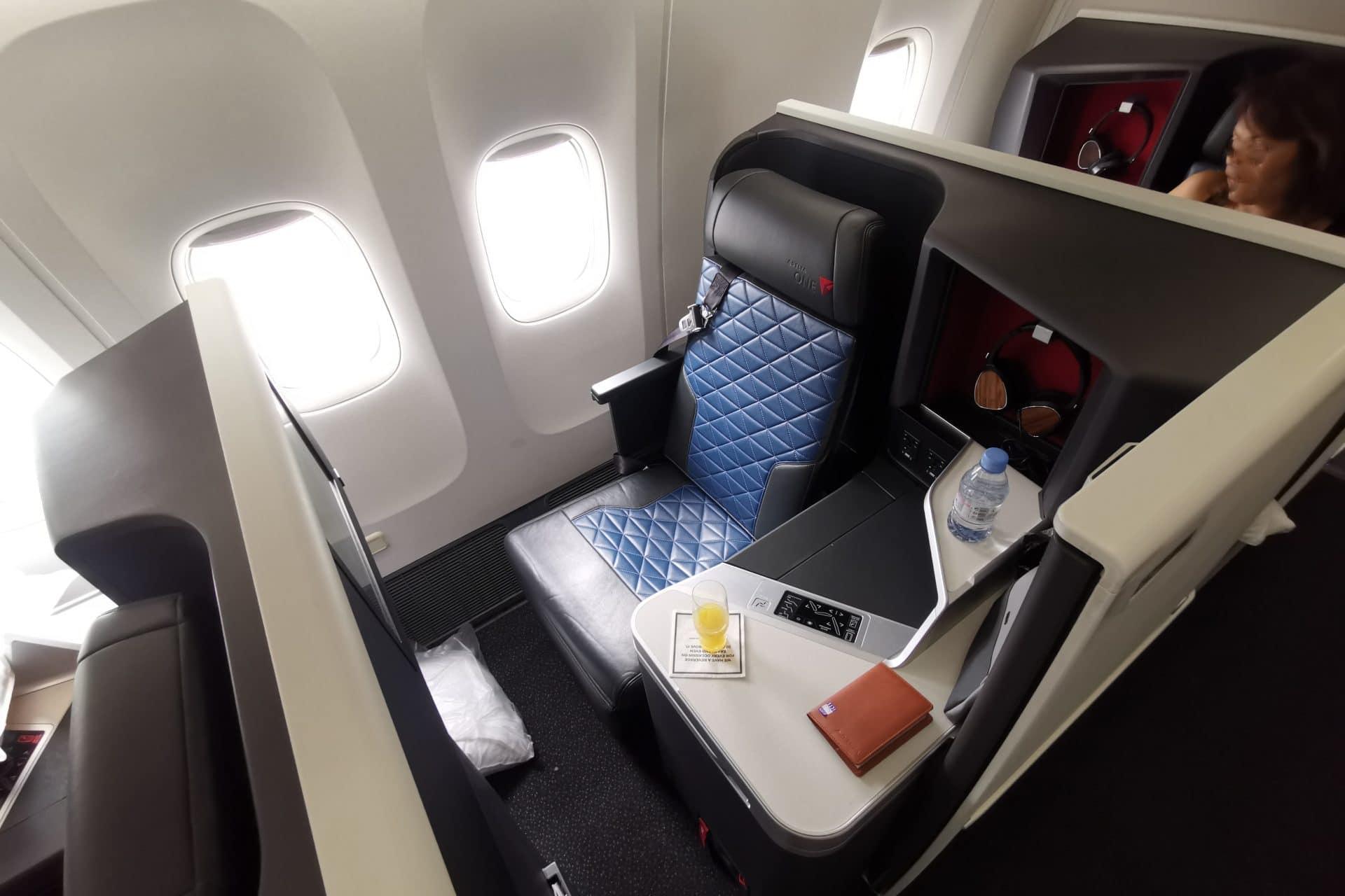 Delta One Suites Business Class Sitz (7)