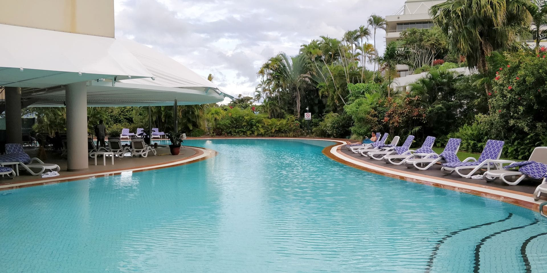 Hilton Cairns Pool 2