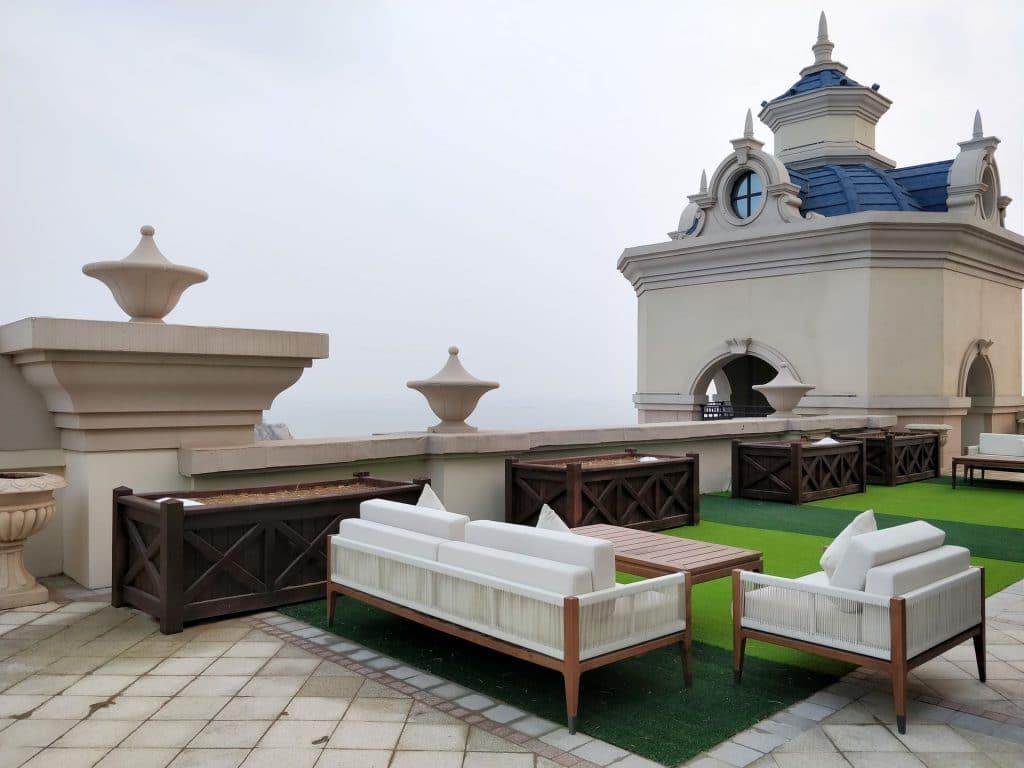 Hilton Dalian Golden Pebble Beach Suite Terrasse 2