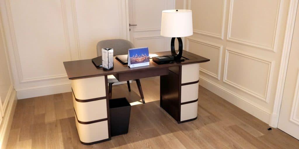 Hilton Dalian Golden Pebble Beach Suite Wohnzimmer
