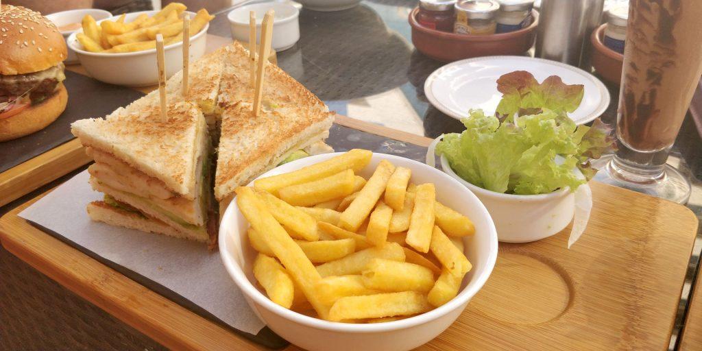 Raffles Dubai Essen 3