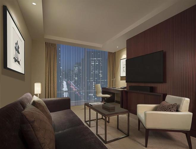 Shangri La Hotel Toronto Bedroom