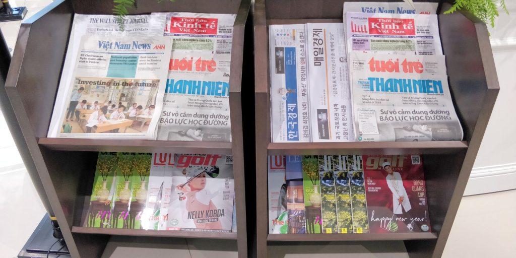 Song Hong Business Lounge Hanoi Zeitungen