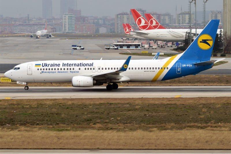 Ukraine International Airlines Boeing 737
