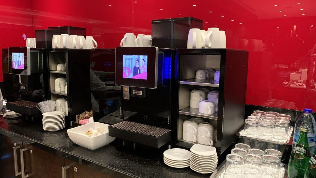 Marhaba Lounge Dubai Terminal 1 Kaffee