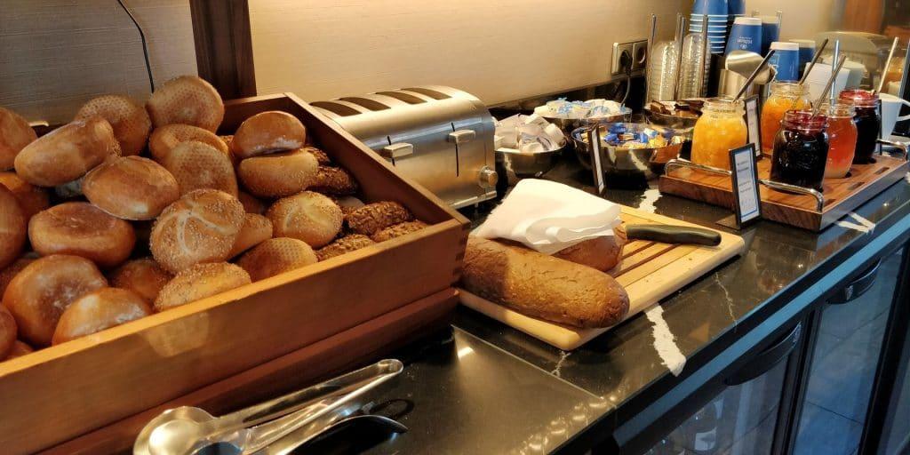 Hilton München City Lounge Frühstück 3