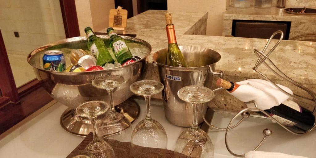 HUALUXE Kunming Lounge Abendessen