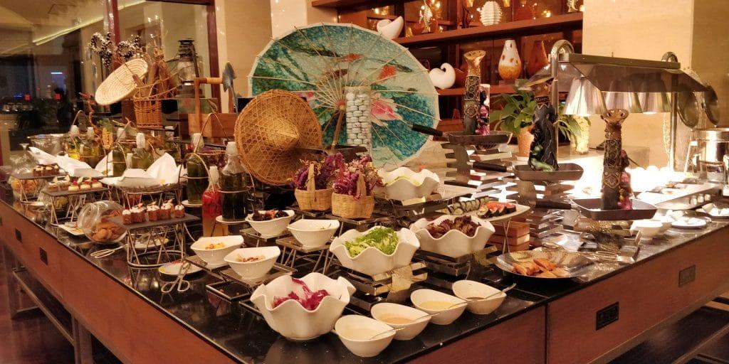 HUALUXE Kunming Lounge Abendessen 2