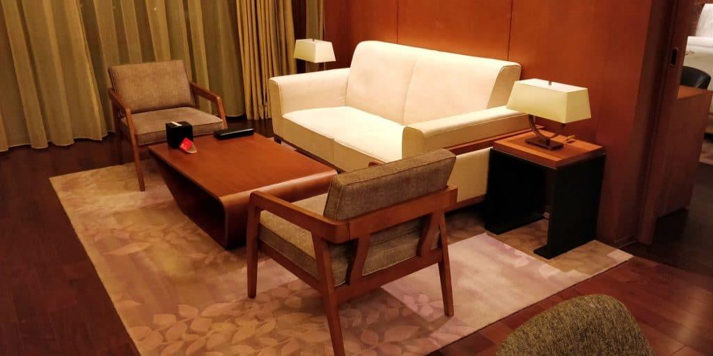 HUALUXE Kunming Suite Wohnzimmer 3