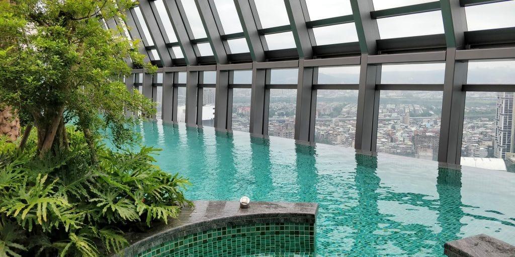 Hilton Taipeh Sinban Pool 3
