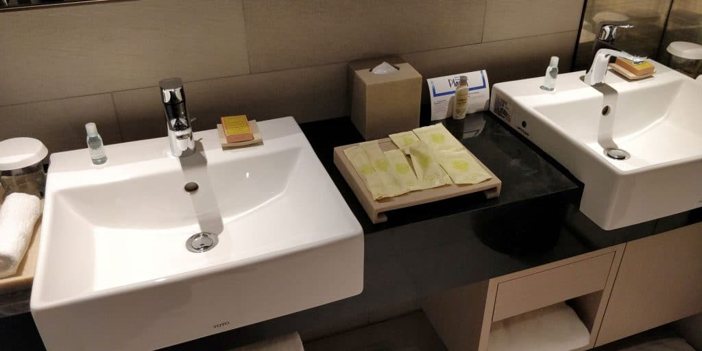 Hilton Taipei Sinban Suite Bad 4