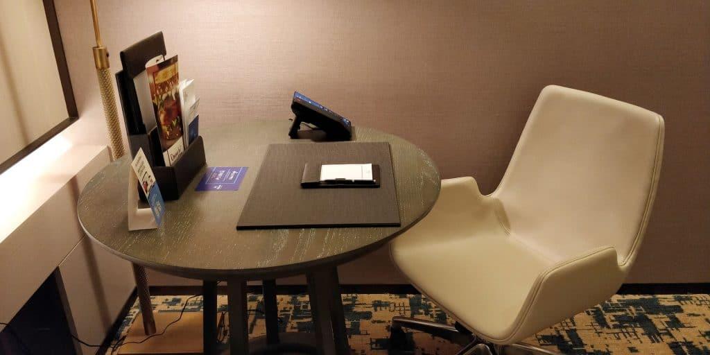 Hilton Taipei Sinban Suite Wohnzimmer 5