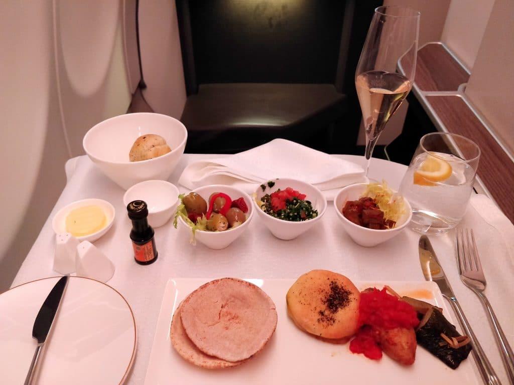 Oman Air Business Class Airbus A330 Abendessen 2