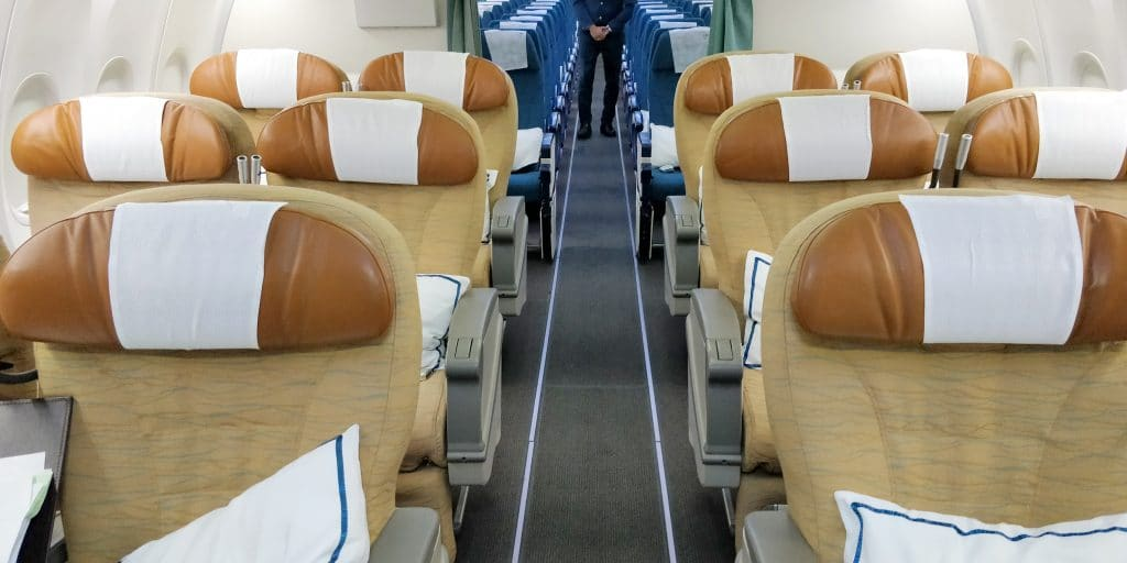 Oman Air Business Class Boeing 737 Kabine