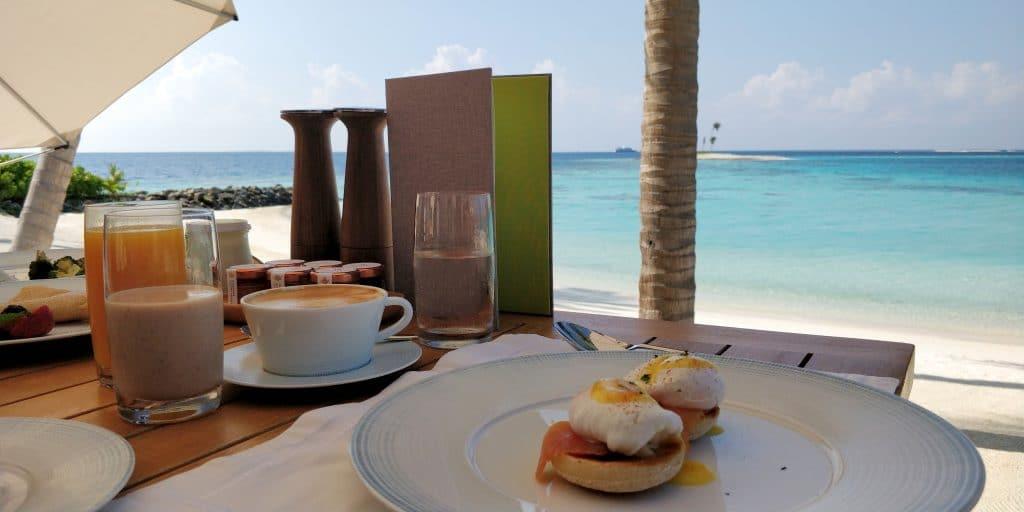 Waldorf Astoria Maldives Ithaafushi Frühstück 9