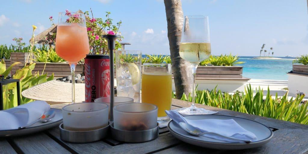 Waldorf Astoria Maldives Ithaafushi Happy Hour 3 4