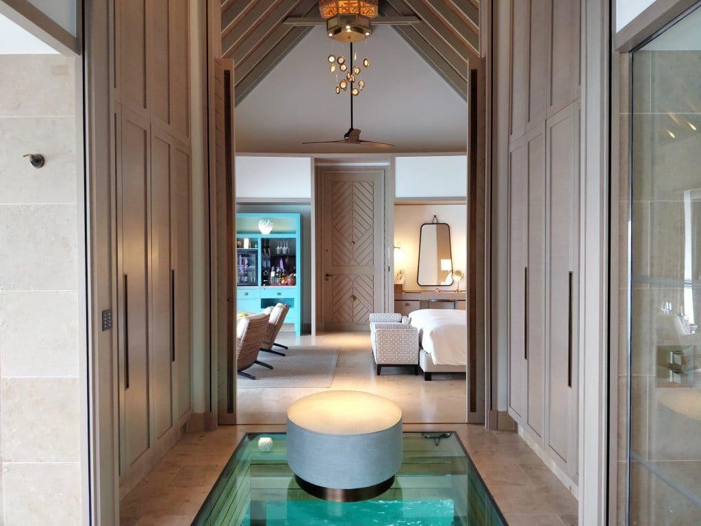 Waldorf Astoria Maldives Ithaafushi Overwater Villa Ankleidezimmer 3