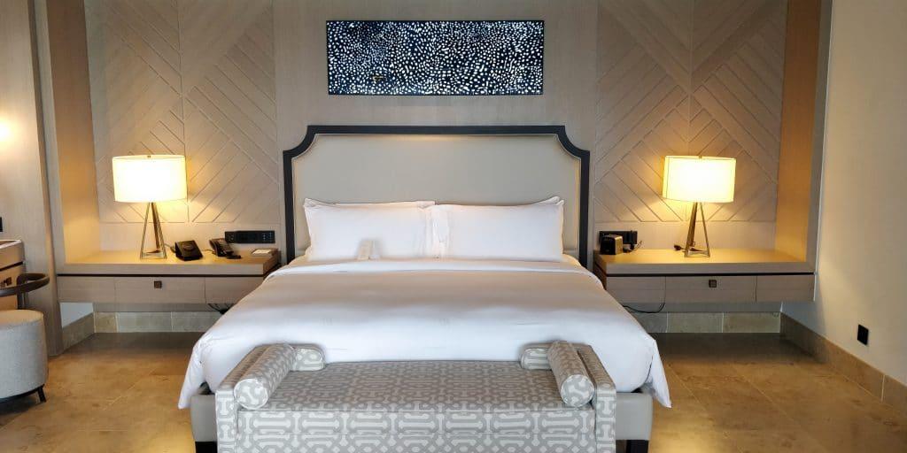 Waldorf Astoria Maldives Ithaafushi Overwater Villa Schlafzimmer