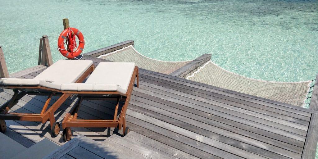 Waldorf Astoria Maldives Ithaafushi Overwater Villa Terrasse 17
