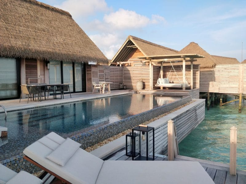 Waldorf Astoria Maldives Ithaafushi Overwater Villa Terrasse 2