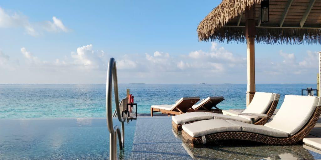 Waldorf Astoria Maldives Ithaafushi Overwater Villa Terrasse 23