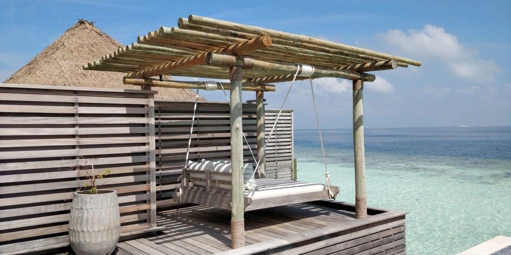 Waldorf Astoria Maldives Ithaafushi Overwater Villa Terrasse 3