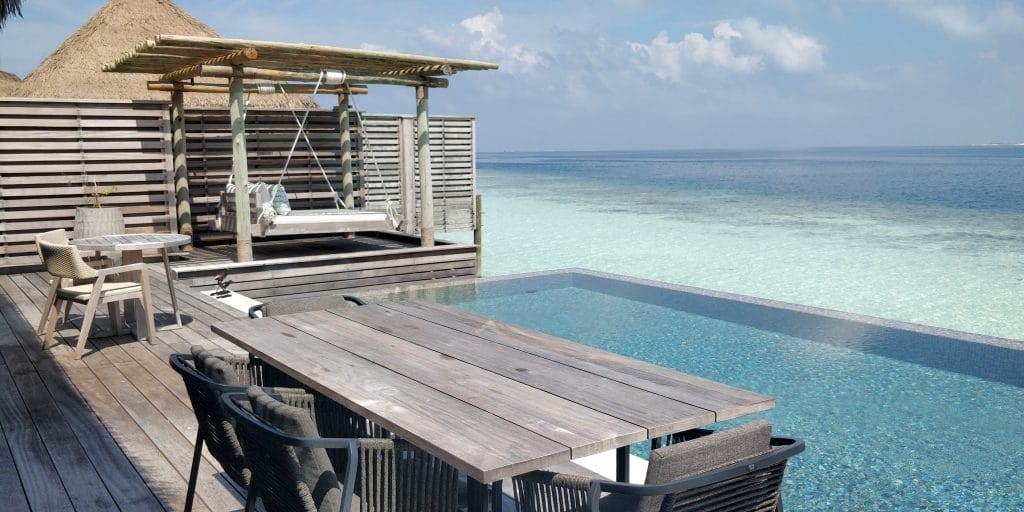 Waldorf Astoria Maldives Ithaafushi Overwater Villa Terrasse 8